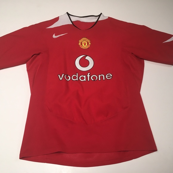 a4e9eb8115a Manchester United Vodafone Nike 2004 Jersey. M 5a8dd96c1dffda476a51b8ee